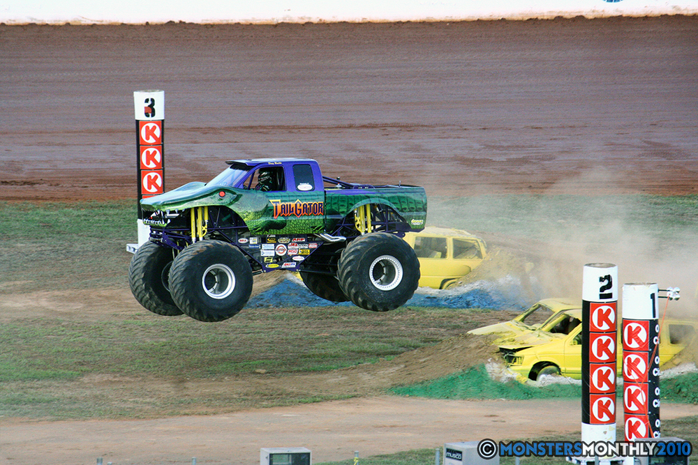 26-monstersmonthly-2010-charlotte-dirt-track-monster-truck-back-to-school-bash.jpg