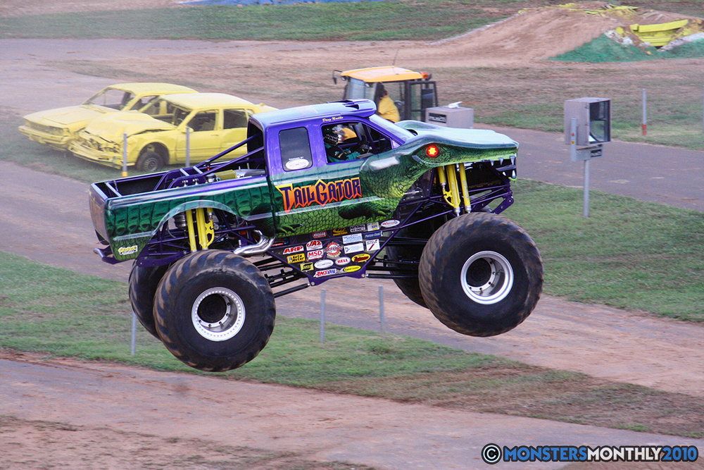 27-monstersmonthly-2010-charlotte-dirt-track-monster-truck-back-to-school-bash.jpg