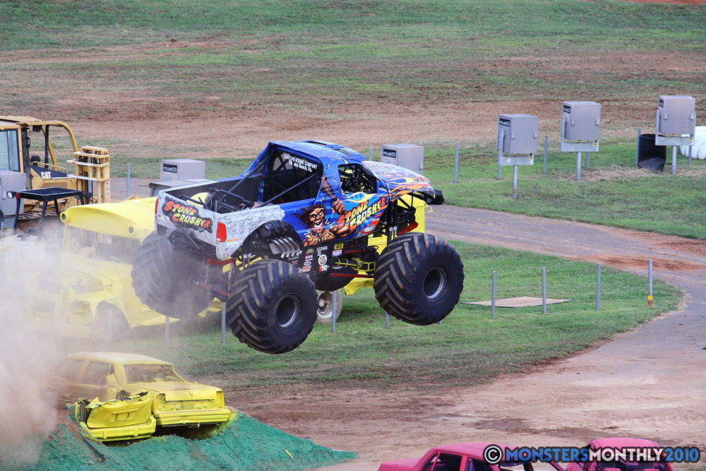 28-monstersmonthly-2010-charlotte-dirt-track-monster-truck-back-to-school-bash.jpg