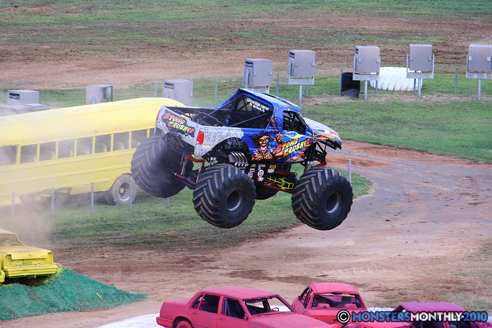 29-monstersmonthly-2010-charlotte-dirt-track-monster-truck-back-to-school-bash.jpg