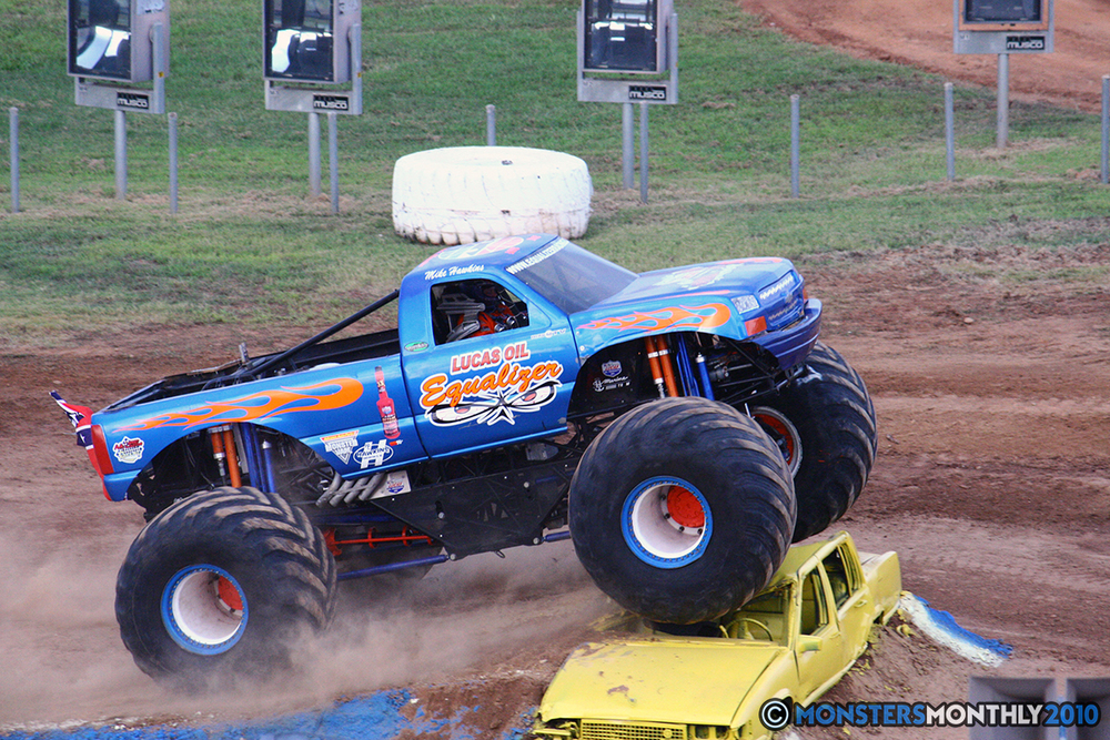32-monstersmonthly-2010-charlotte-dirt-track-monster-truck-back-to-school-bash.jpg