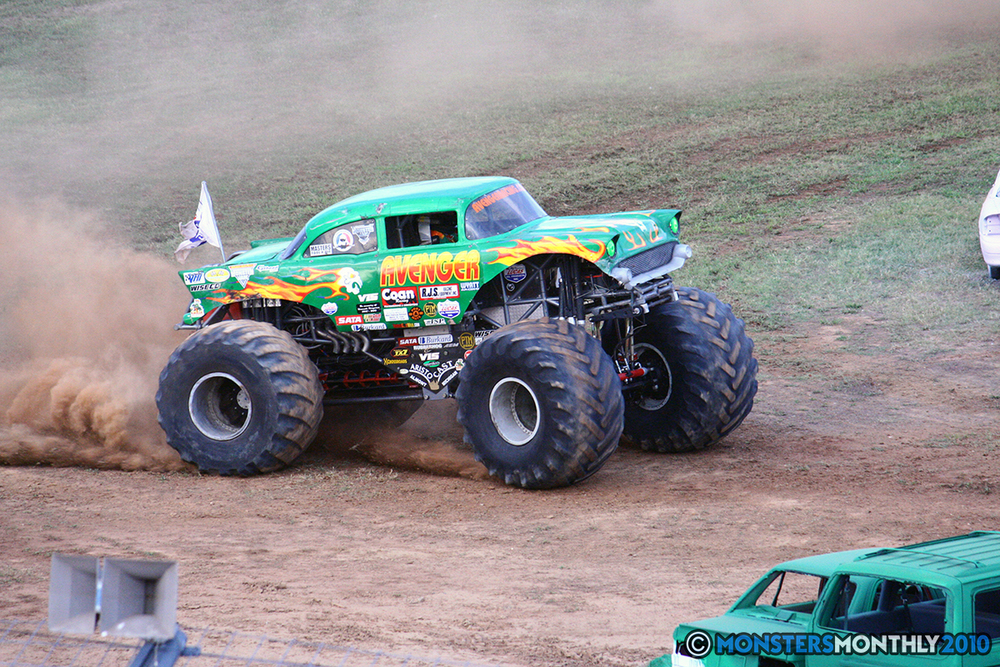 33-monstersmonthly-2010-charlotte-dirt-track-monster-truck-back-to-school-bash.jpg