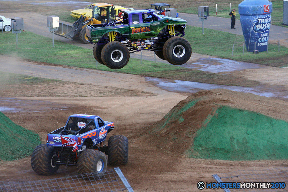 39-monstersmonthly-2010-charlotte-dirt-track-monster-truck-back-to-school-bash.jpg