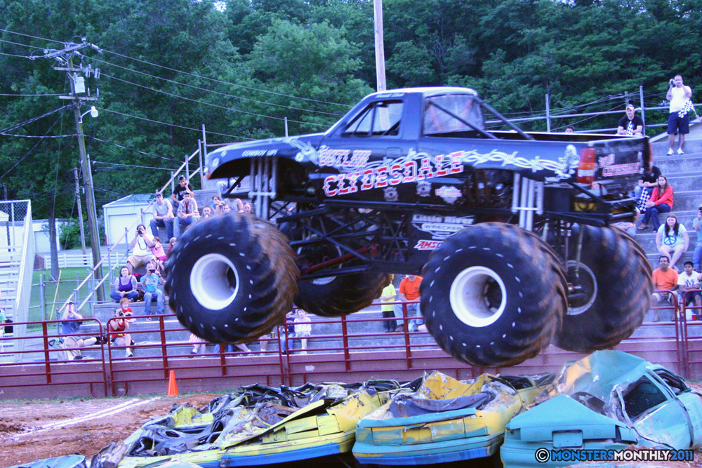 07-monstersmonthly-old-school-monster-race-sevierville-tennessee-2011 copy.jpg