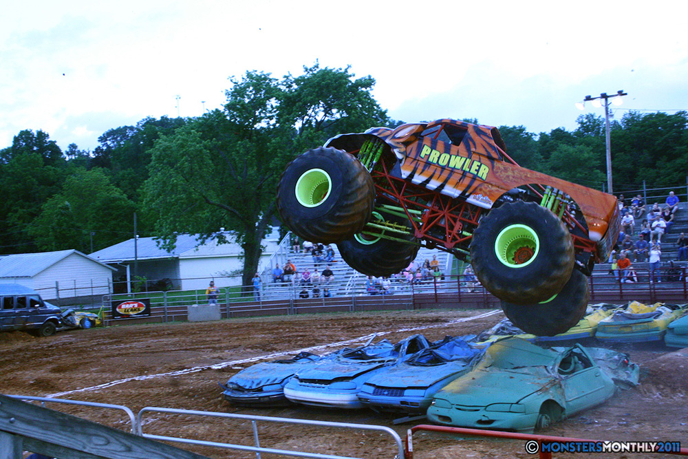08-monstersmonthly-old-school-monster-race-sevierville-tennessee-2011 copy.jpg