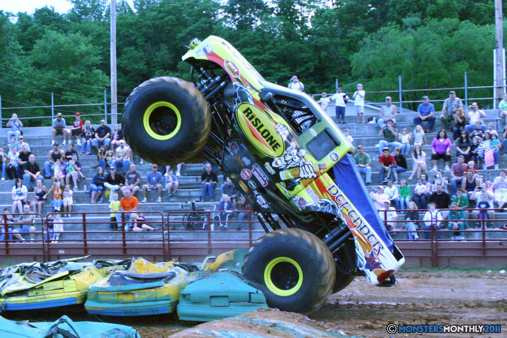 09-monstersmonthly-old-school-monster-race-sevierville-tennessee-2011 copy.jpg