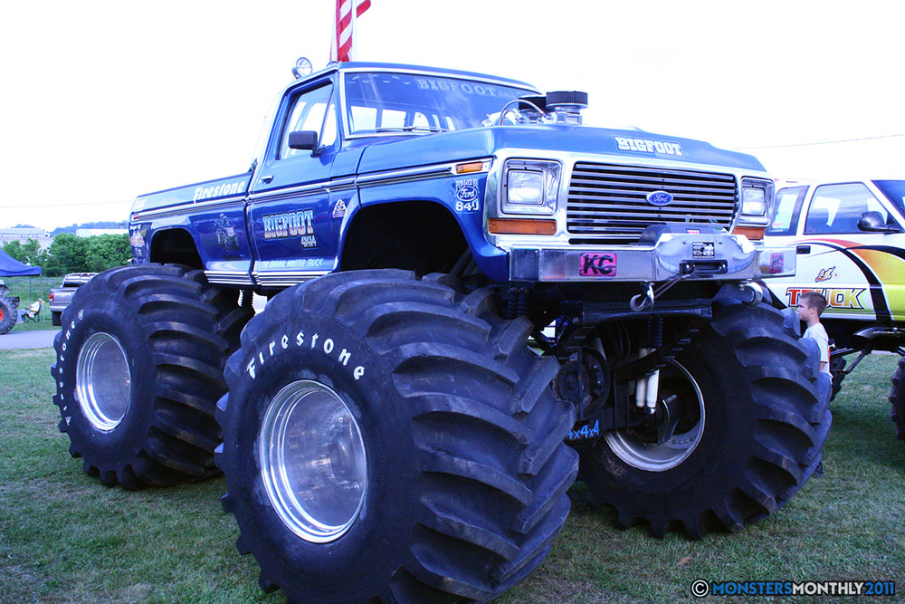 17-monstersmonthly-old-school-monster-race-sevierville-tennessee-2011 copy.jpg