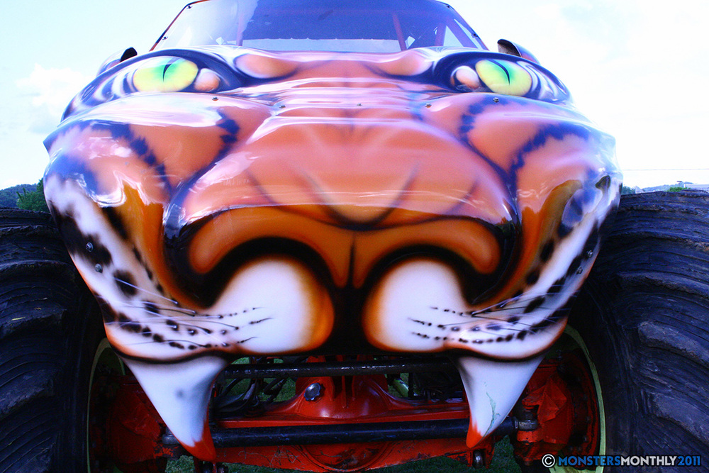 18-monstersmonthly-old-school-monster-race-sevierville-tennessee-2011 copy.jpg