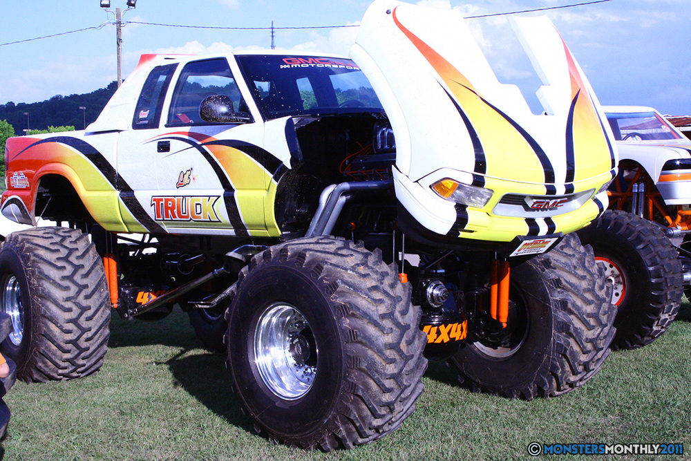 26-monstersmonthly-old-school-monster-race-sevierville-tennessee-2011 copy.jpg