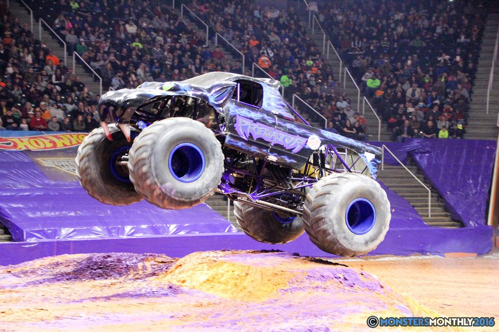 14-monsters-monthly-monster-jam-thompson-boling-arena-2016-grave-digger-carolina-crusher-prowler-predator-saigon-shaker-backdraft-instagator-bad-news copy.jpg