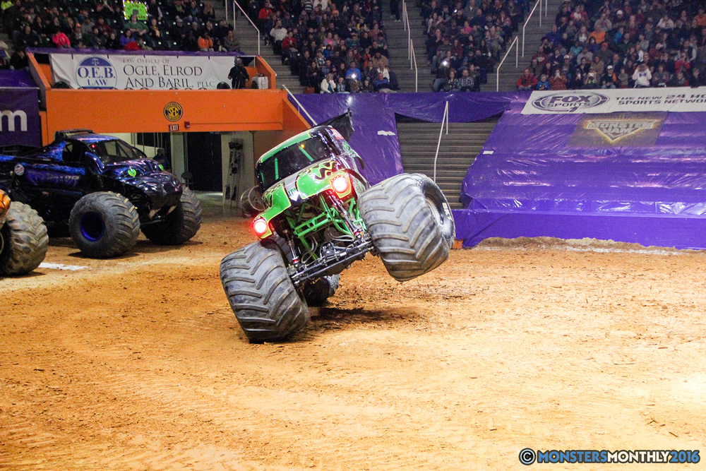 23-monsters-monthly-monster-jam-thompson-boling-arena-2016-grave-digger-carolina-crusher-prowler-predator-saigon-shaker-backdraft-instagator-bad-news copy.jpg