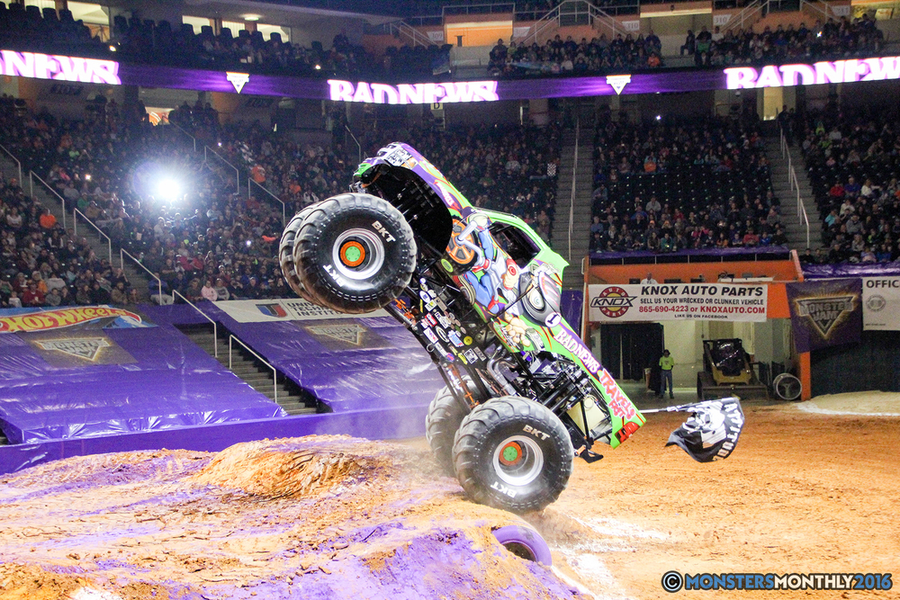 29-monsters-monthly-monster-jam-thompson-boling-arena-2016-grave-digger-carolina-crusher-prowler-predator-saigon-shaker-backdraft-instagator-bad-news copy.jpg