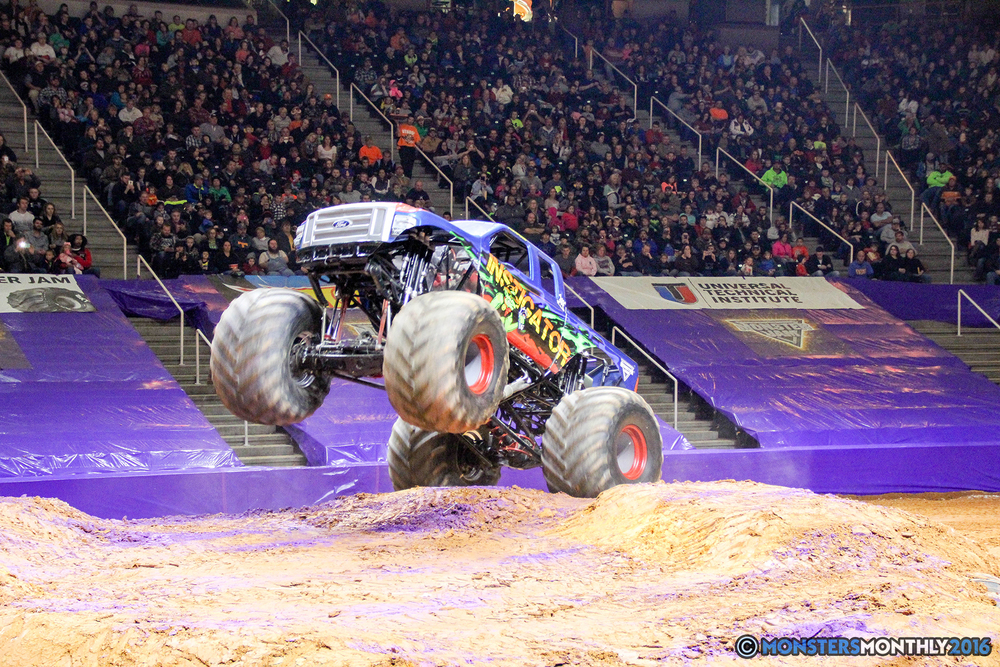 39-monsters-monthly-monster-jam-thompson-boling-arena-2016-grave-digger-carolina-crusher-prowler-predator-saigon-shaker-backdraft-instagator-bad-news copy.jpg