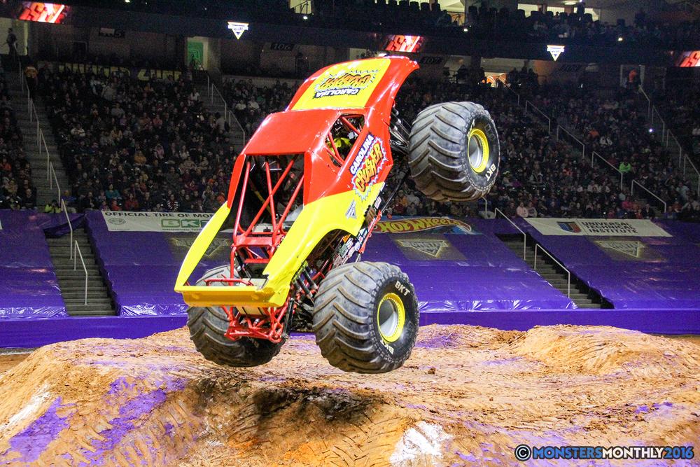 51-monsters-monthly-monster-jam-thompson-boling-arena-2016-grave-digger-carolina-crusher-prowler-predator-saigon-shaker-backdraft-instagator-bad-news copy.jpg