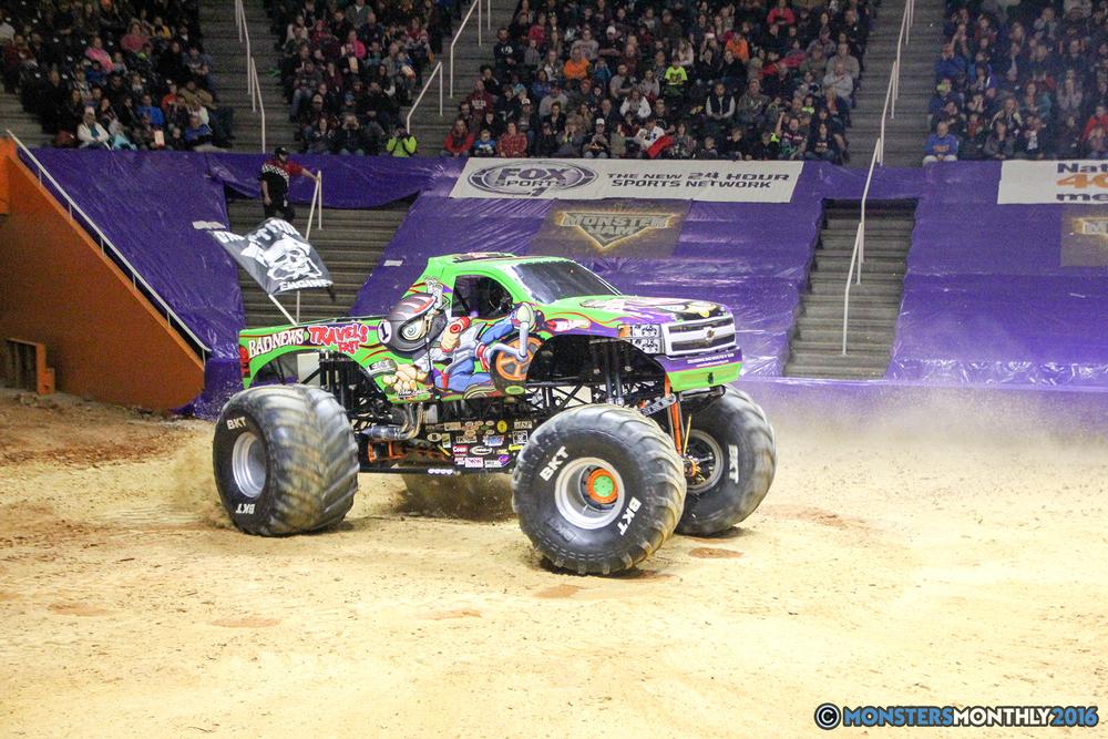 95-monsters-monthly-monster-jam-thompson-boling-arena-2016-grave-digger-carolina-crusher-prowler-predator-saigon-shaker-backdraft-instagator-bad-news copy.jpg