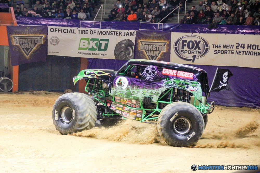 103-monsters-monthly-monster-jam-thompson-boling-arena-2016-grave-digger-carolina-crusher-prowler-predator-saigon-shaker-backdraft-instagator-bad-news copy.jpg