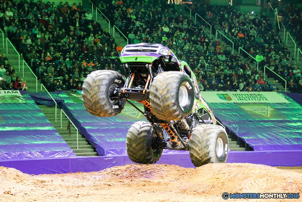 146-monsters-monthly-monster-jam-thompson-boling-arena-2016-grave-digger-carolina-crusher-prowler-predator-saigon-shaker-backdraft-instagator-bad-news copy.jpg