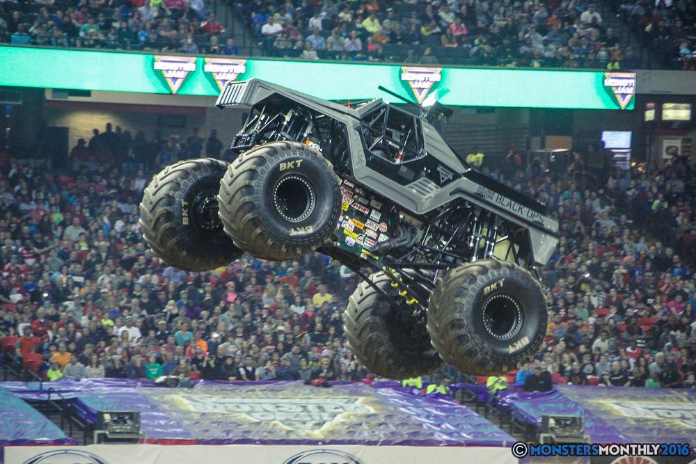 37-monsterjam-georgiadome-march-2016-monstersmonthly-monster-truck-racing-freestyle copy.jpg