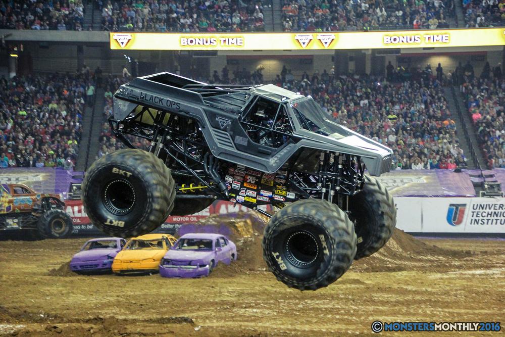 39-monsterjam-georgiadome-march-2016-monstersmonthly-monster-truck-racing-freestyle copy.jpg