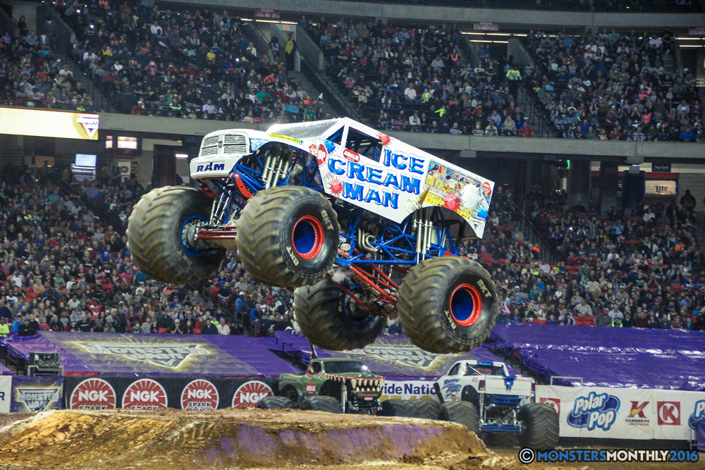 51-monsterjam-georgiadome-march-2016-monstersmonthly-monster-truck-racing-freestyle copy.jpg