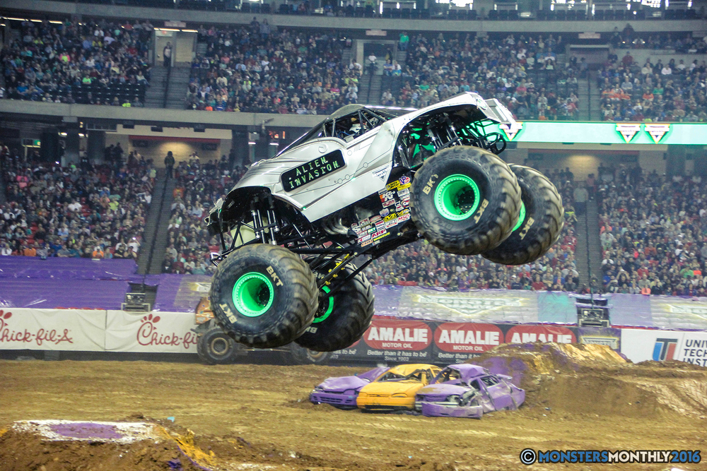 58-monsterjam-georgiadome-march-2016-monstersmonthly-monster-truck-racing-freestyle copy.jpg