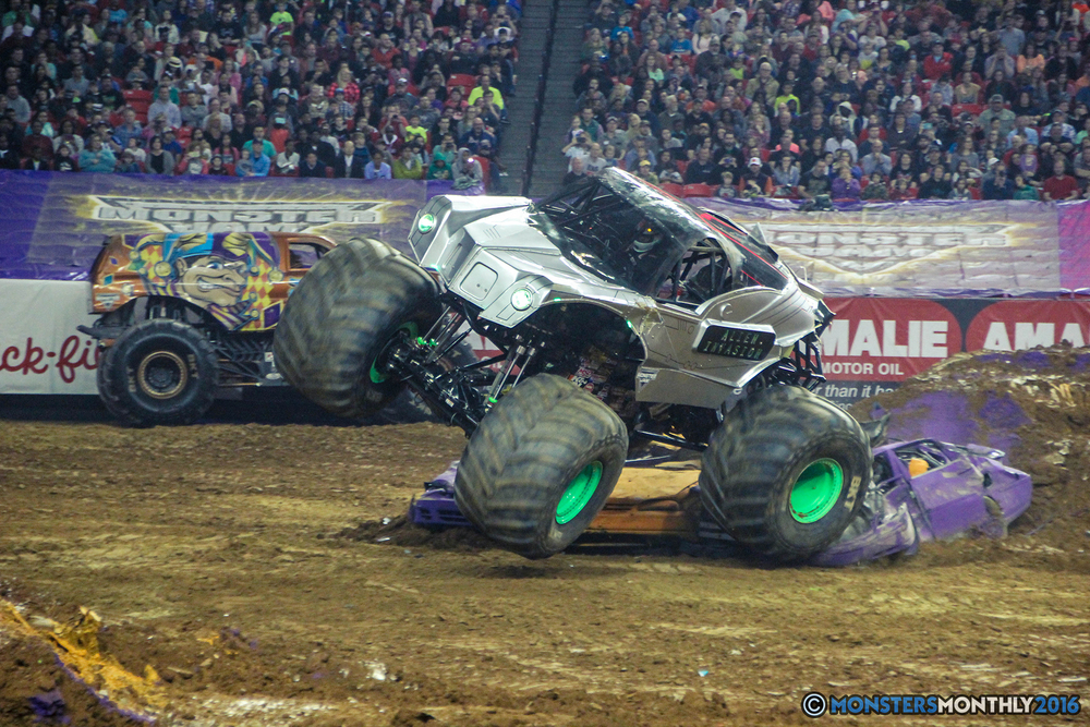 60-monsterjam-georgiadome-march-2016-monstersmonthly-monster-truck-racing-freestyle copy.jpg