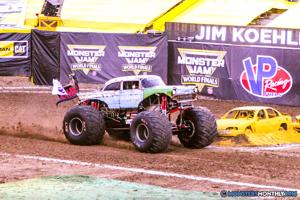 02-monsterjam-worldfinals-qualifying-2016-monstersmonthly-sam-boyd-stadium-las-vegas.jpg