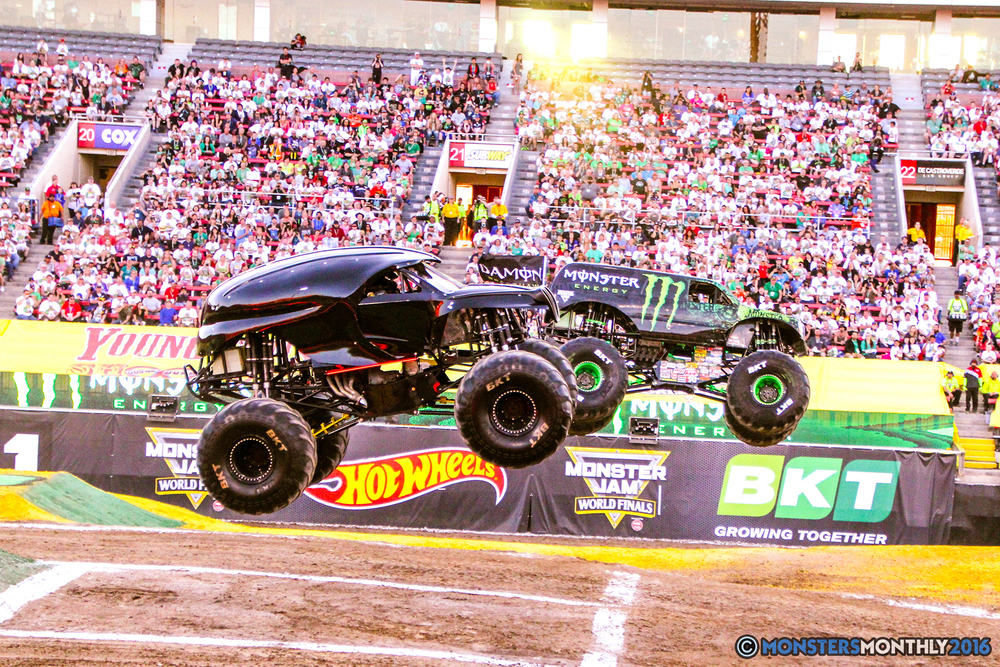 05-monsterjam-worldfinals-qualifying-2016-monstersmonthly-sam-boyd-stadium-las-vegas.jpg