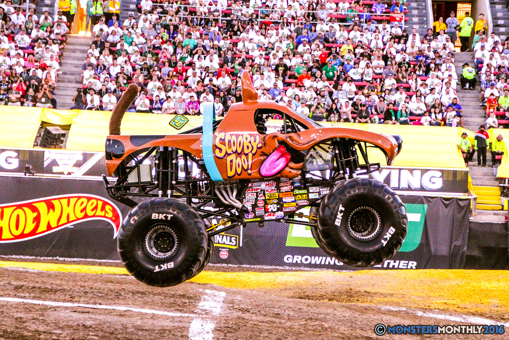 11-monsterjam-worldfinals-qualifying-2016-monstersmonthly-sam-boyd-stadium-las-vegas.jpg