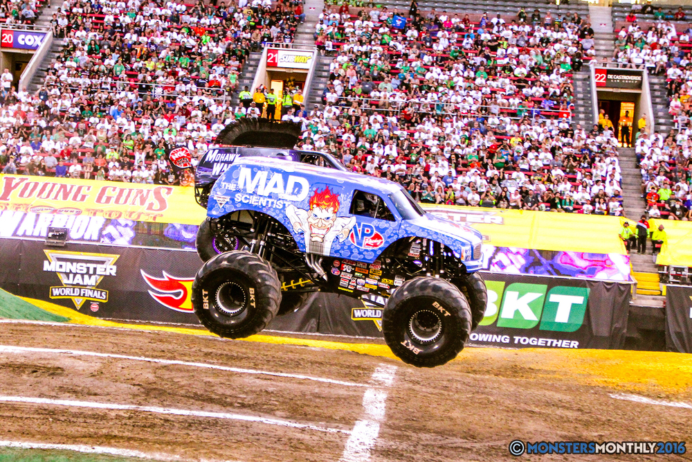 13-monsterjam-worldfinals-qualifying-2016-monstersmonthly-sam-boyd-stadium-las-vegas.jpg