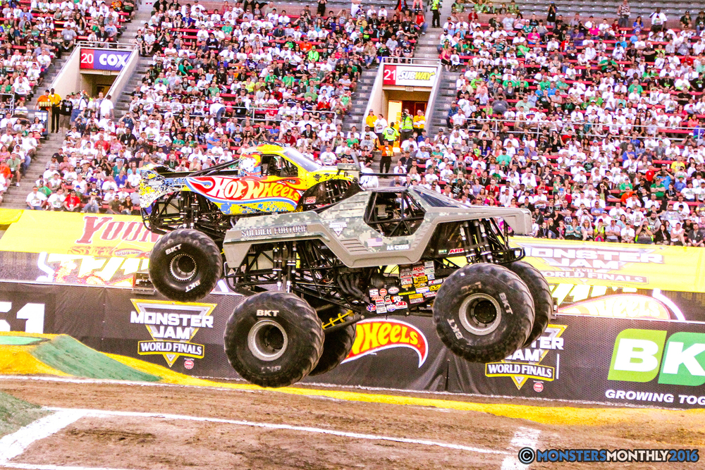 14-monsterjam-worldfinals-qualifying-2016-monstersmonthly-sam-boyd-stadium-las-vegas.jpg