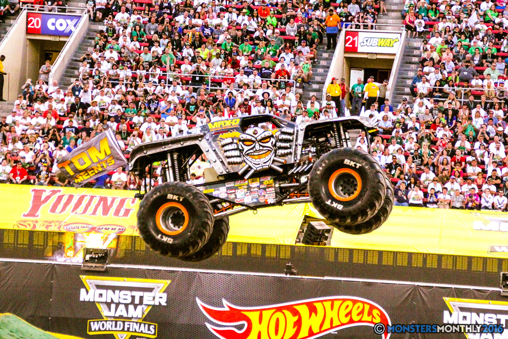 18-monsterjam-worldfinals-qualifying-2016-monstersmonthly-sam-boyd-stadium-las-vegas.jpg