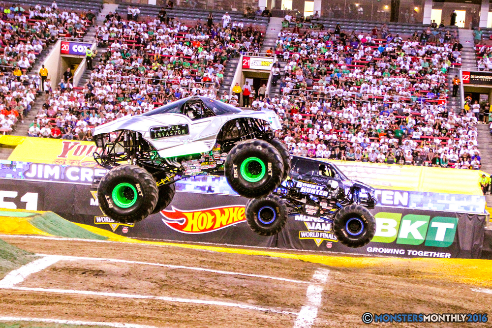 25-monsterjam-worldfinals-qualifying-2016-monstersmonthly-sam-boyd-stadium-las-vegas.jpg