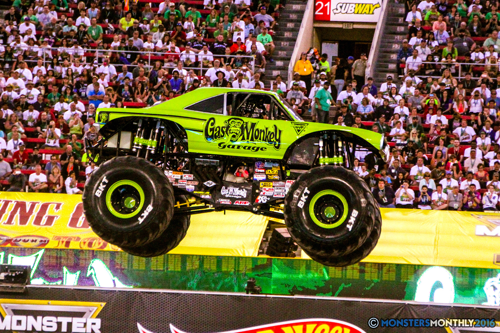 26-monsterjam-worldfinals-qualifying-2016-monstersmonthly-sam-boyd-stadium-las-vegas.jpg