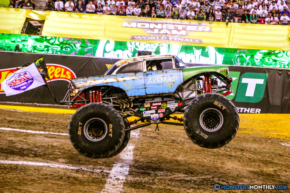 27-monsterjam-worldfinals-qualifying-2016-monstersmonthly-sam-boyd-stadium-las-vegas.jpg