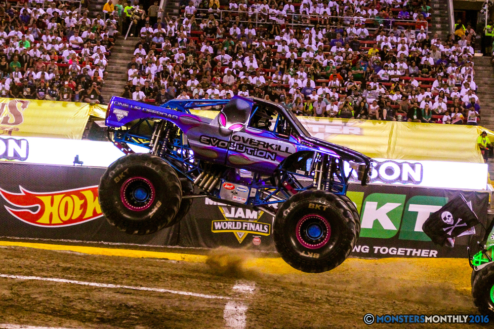 31-monsterjam-worldfinals-qualifying-2016-monstersmonthly-sam-boyd-stadium-las-vegas.jpg
