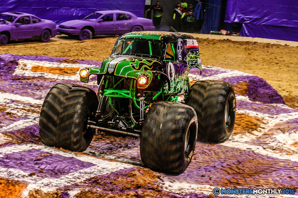 09-monster-jam-utc-mckenzie-arena-chattanooga-tennessee-monstersmonthly-monster-truck-race-gravedigger-monstermutt-xtermigator-razin-kane-doomsday-captainscurse-2016.jpg