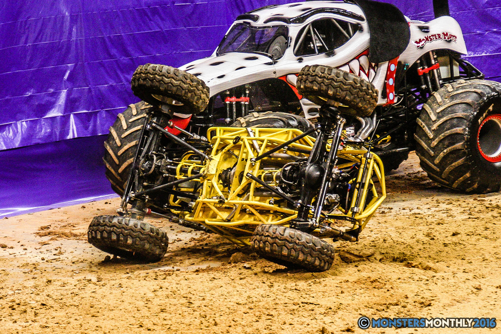 10-monster-jam-utc-mckenzie-arena-chattanooga-tennessee-monstersmonthly-monster-truck-race-gravedigger-monstermutt-xtermigator-razin-kane-doomsday-captainscurse-2016.jpg