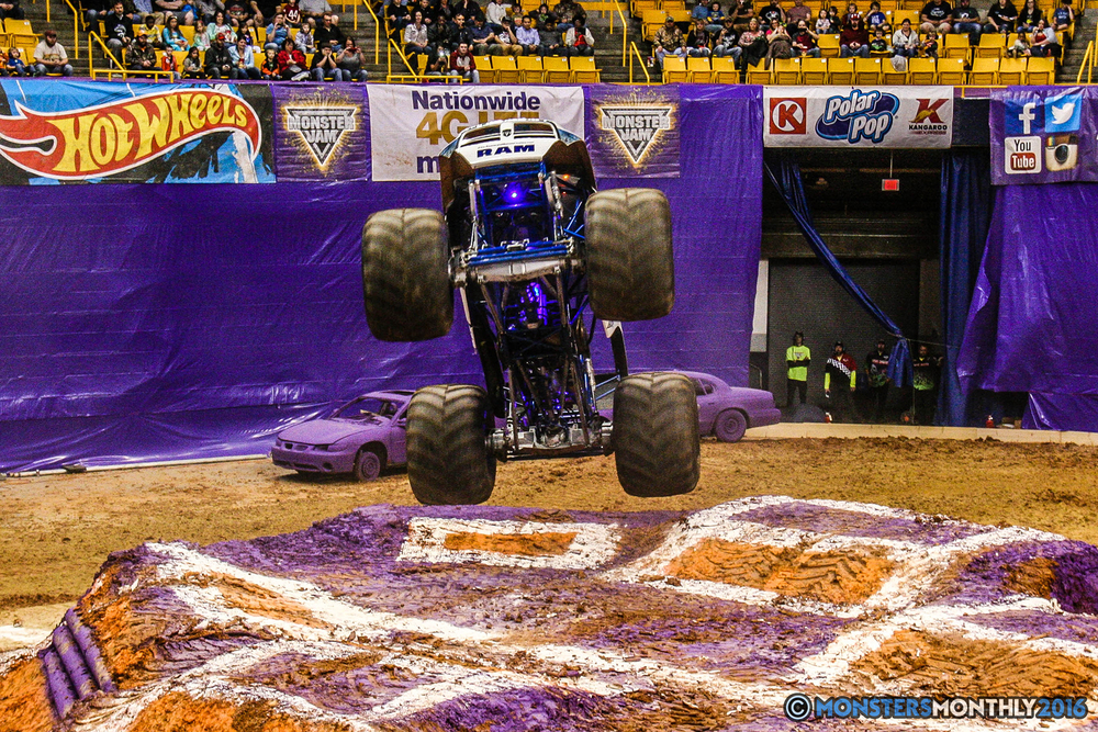 15-monster-jam-utc-mckenzie-arena-chattanooga-tennessee-monstersmonthly-monster-truck-race-gravedigger-monstermutt-xtermigator-razin-kane-doomsday-captainscurse-2016.jpg