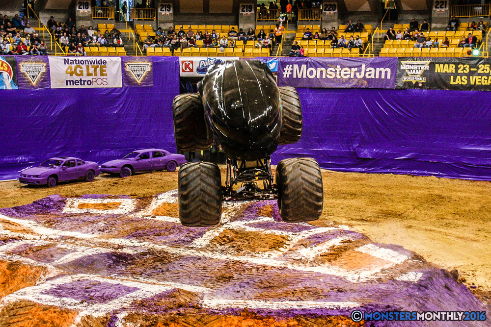 16-monster-jam-utc-mckenzie-arena-chattanooga-tennessee-monstersmonthly-monster-truck-race-gravedigger-monstermutt-xtermigator-razin-kane-doomsday-captainscurse-2016.jpg