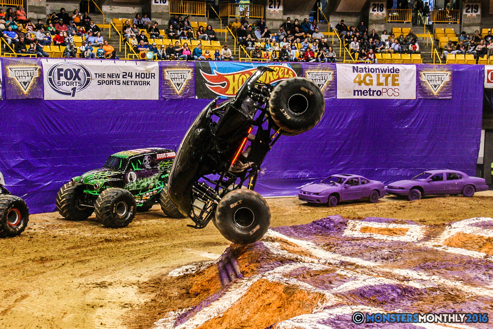 18-monster-jam-utc-mckenzie-arena-chattanooga-tennessee-monstersmonthly-monster-truck-race-gravedigger-monstermutt-xtermigator-razin-kane-doomsday-captainscurse-2016.jpg