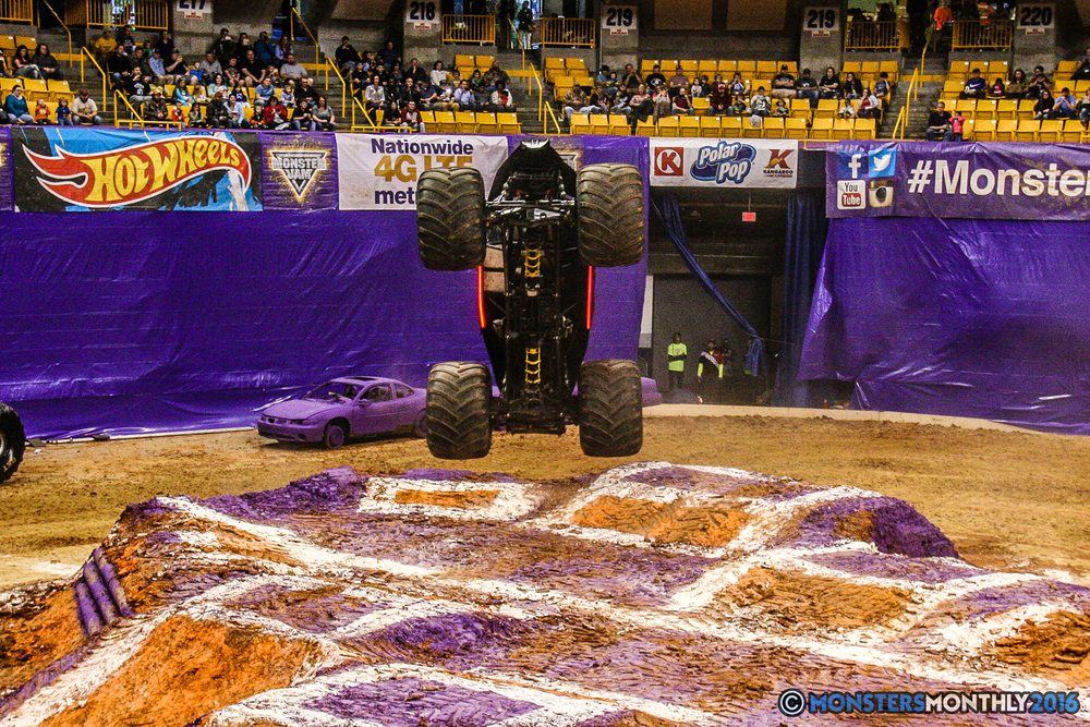 19-monster-jam-utc-mckenzie-arena-chattanooga-tennessee-monstersmonthly-monster-truck-race-gravedigger-monstermutt-xtermigator-razin-kane-doomsday-captainscurse-2016.jpg