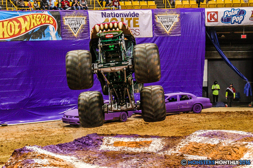 20-monster-jam-utc-mckenzie-arena-chattanooga-tennessee-monstersmonthly-monster-truck-race-gravedigger-monstermutt-xtermigator-razin-kane-doomsday-captainscurse-2016.jpg