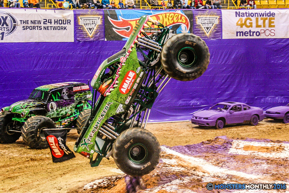 21-monster-jam-utc-mckenzie-arena-chattanooga-tennessee-monstersmonthly-monster-truck-race-gravedigger-monstermutt-xtermigator-razin-kane-doomsday-captainscurse-2016.jpg