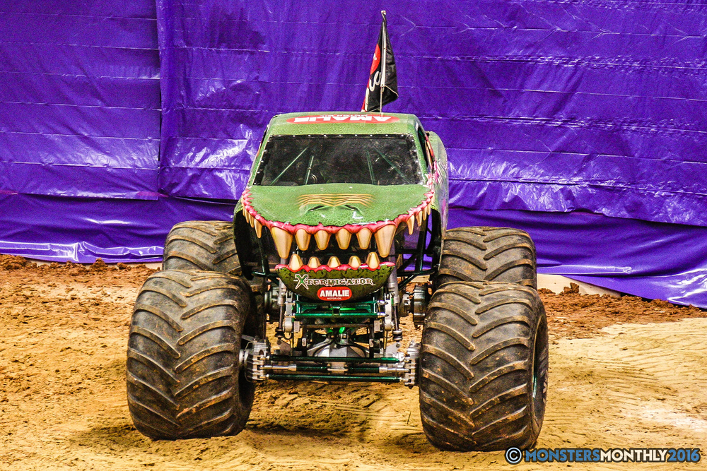 24-monster-jam-utc-mckenzie-arena-chattanooga-tennessee-monstersmonthly-monster-truck-race-gravedigger-monstermutt-xtermigator-razin-kane-doomsday-captainscurse-2016.jpg