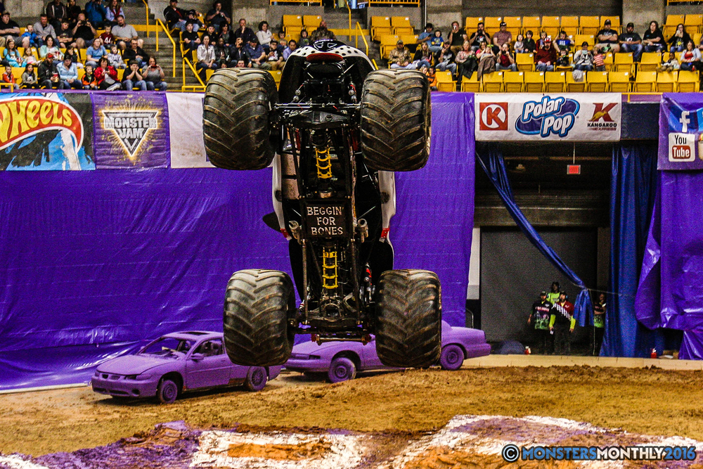 28-monster-jam-utc-mckenzie-arena-chattanooga-tennessee-monstersmonthly-monster-truck-race-gravedigger-monstermutt-xtermigator-razin-kane-doomsday-captainscurse-2016.jpg
