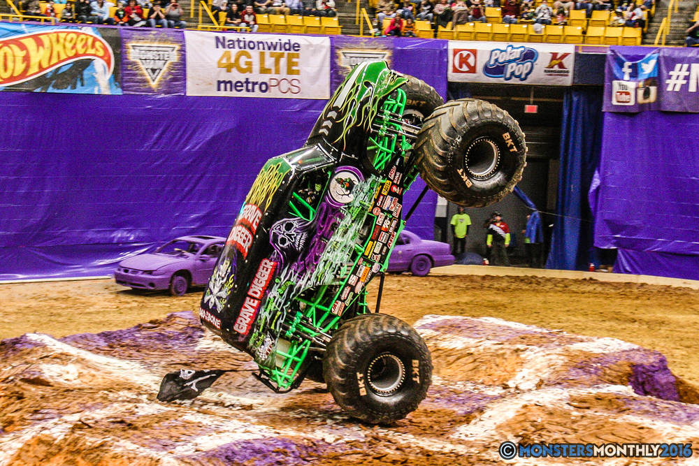 31-monster-jam-utc-mckenzie-arena-chattanooga-tennessee-monstersmonthly-monster-truck-race-gravedigger-monstermutt-xtermigator-razin-kane-doomsday-captainscurse-2016.jpg