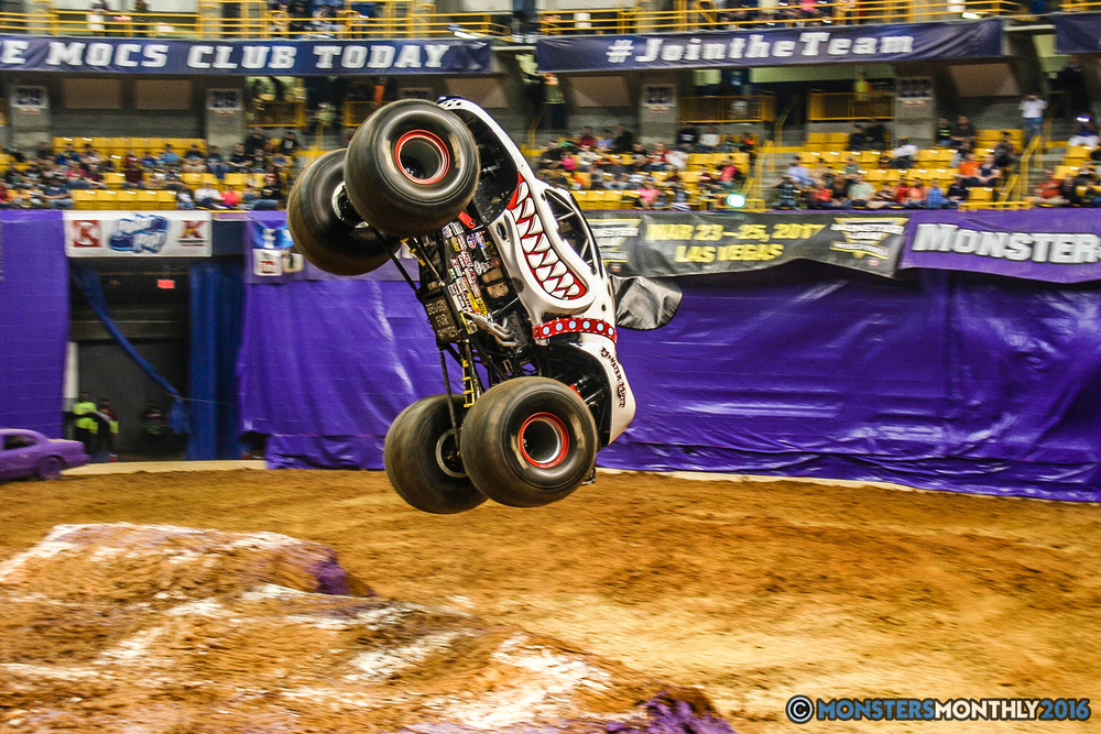 35-monster-jam-utc-mckenzie-arena-chattanooga-tennessee-monstersmonthly-monster-truck-race-gravedigger-monstermutt-xtermigator-razin-kane-doomsday-captainscurse-2016.jpg