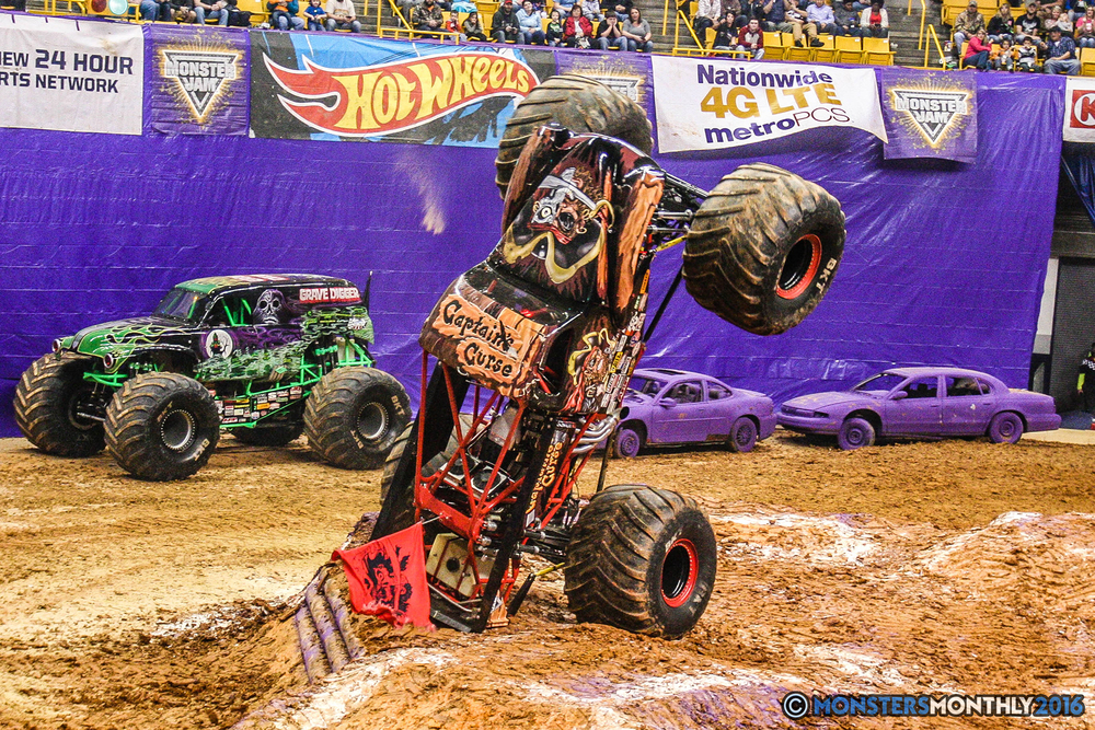 37-monster-jam-utc-mckenzie-arena-chattanooga-tennessee-monstersmonthly-monster-truck-race-gravedigger-monstermutt-xtermigator-razin-kane-doomsday-captainscurse-2016.jpg