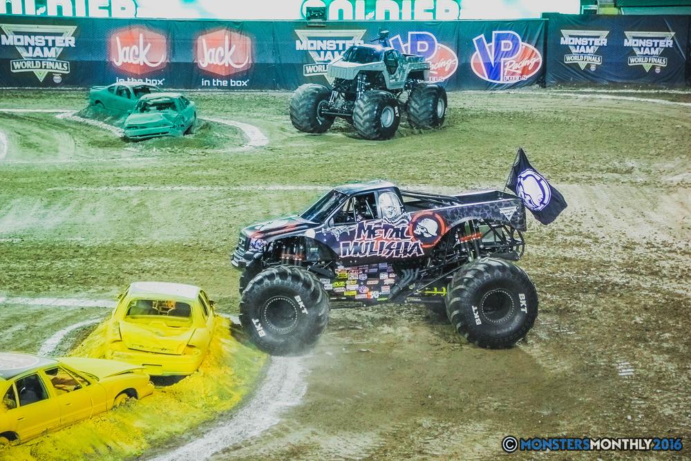 09-the-monster-jam-world-finals-racing-championship-pictures-2016-sam-boyd-stadium-las-vegas-monstersmonthly.jpg